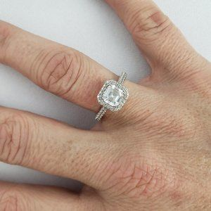 925 CZ Silver Ring Size 7.5